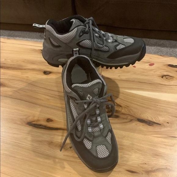 Vasque Shoes   Tennis Shoe Sz 7   Poshmark